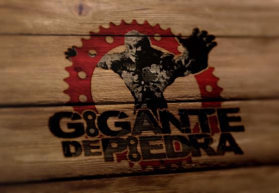 Diseño de Logotipo Gigante depiedra